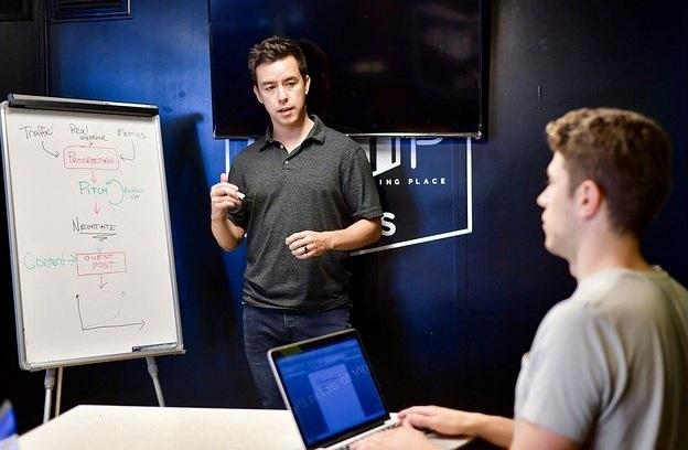 peluang bisnis online konsultasi