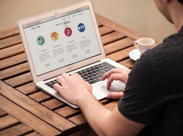 peluang bisnis online pembuatan website